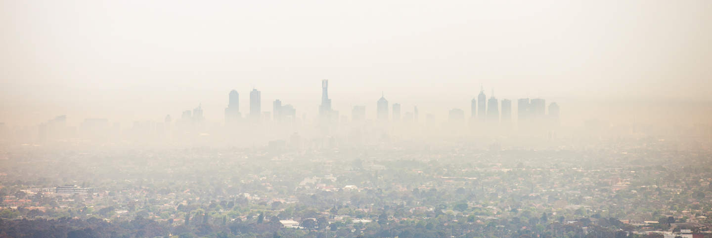 Smoke from bush fires shrouds Melbourne CBD skyline and surrounding suburbs